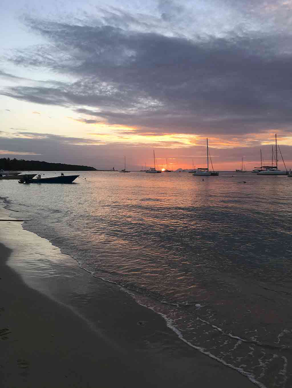 spiaggia-tramonto-caraibi